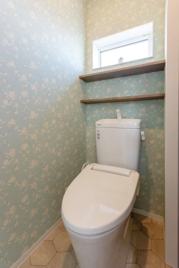 家族が心地よく繋がる家・トイレ