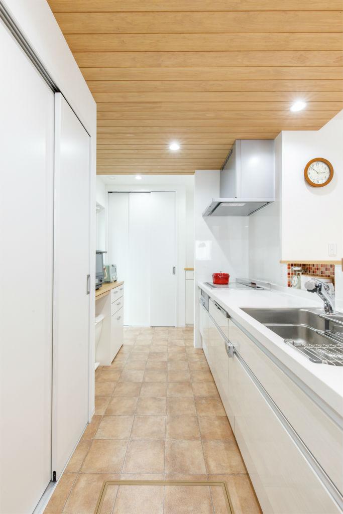 回遊動線の家・キッチン