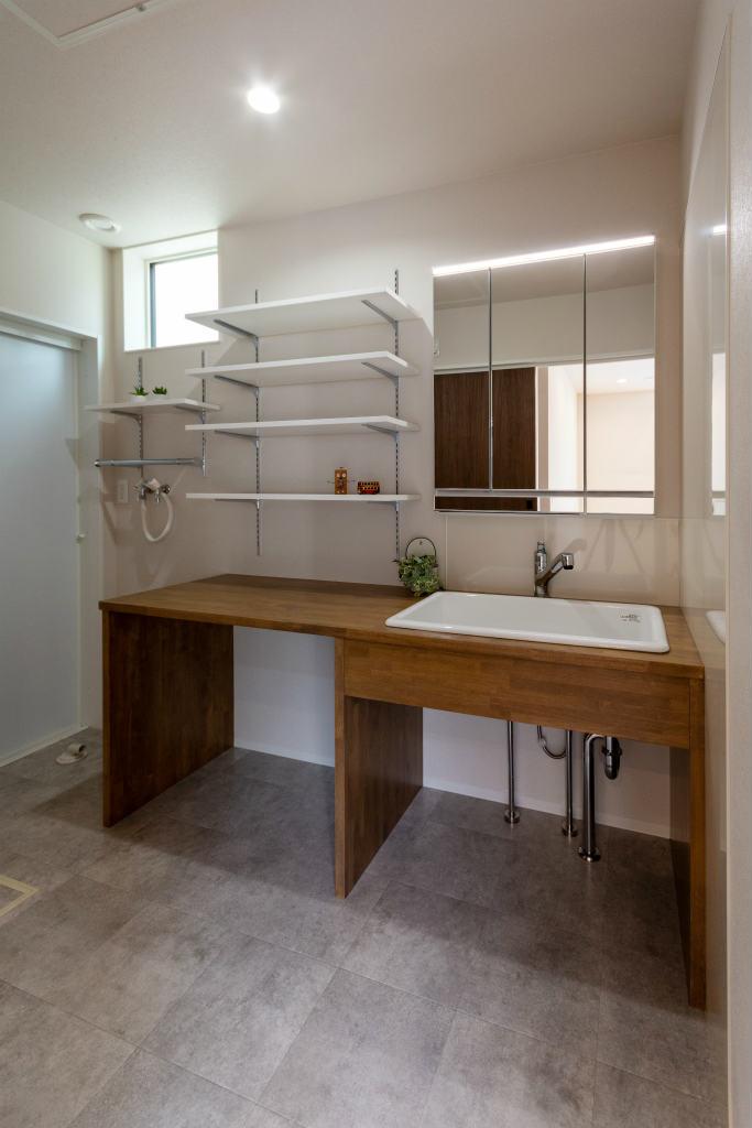小上がり和室のある家・造作洗面台