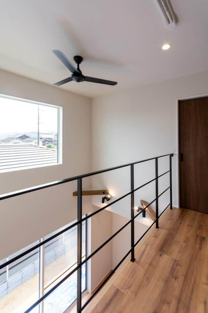 小上がり和室のある家・廊下